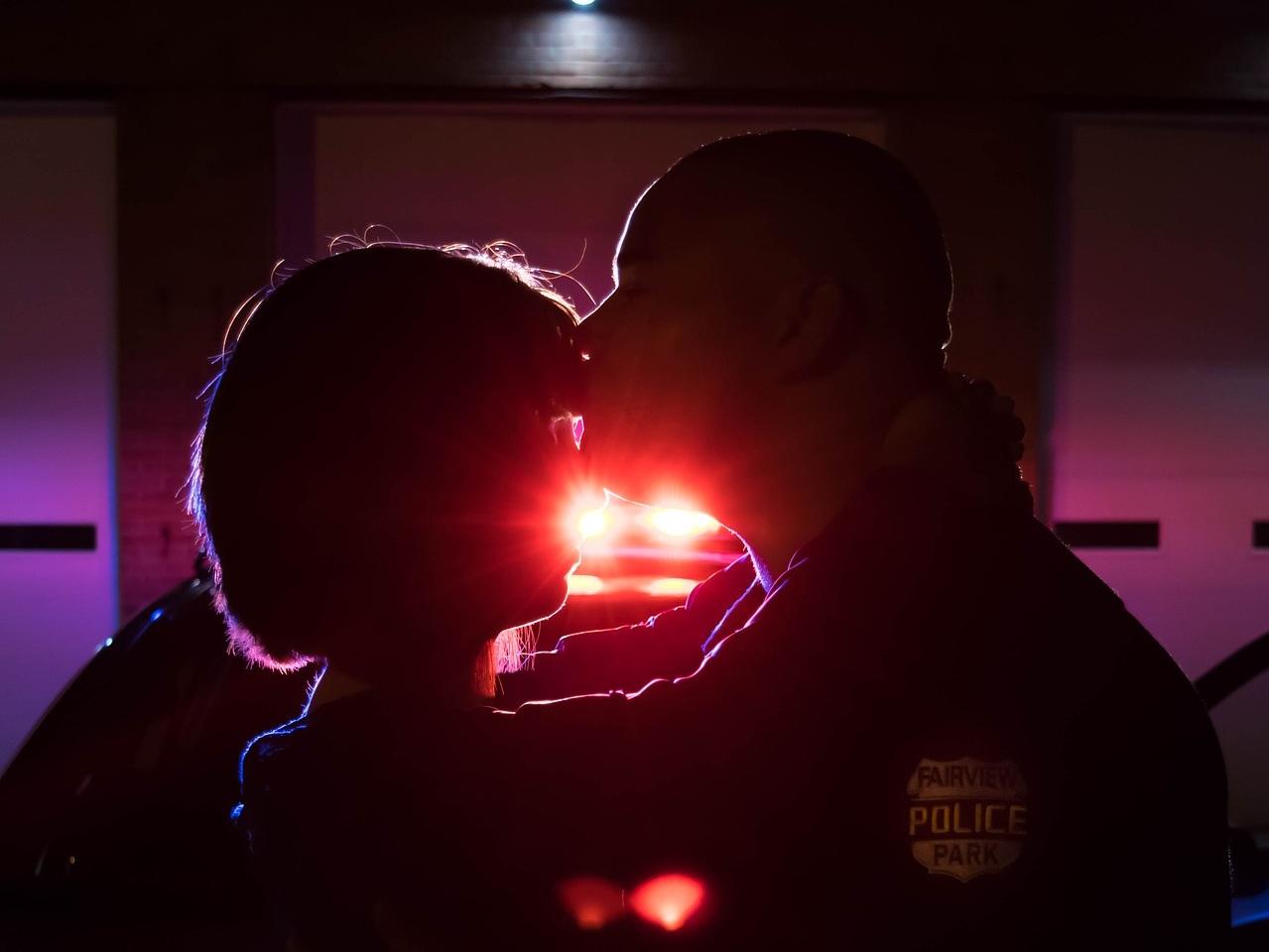 kiss-2104743_1920.jpg