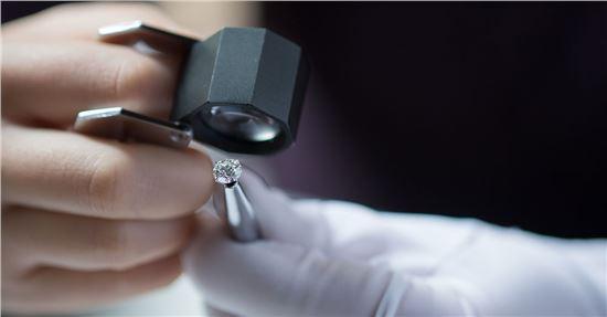 inspect-diamonds-1200x628.jpg