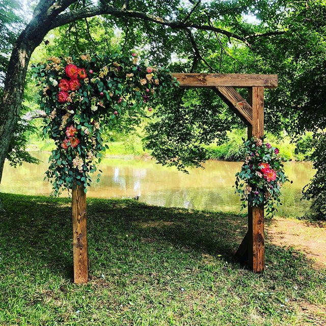 It's a beautiful day for a wedding on the river! . . . #virginiawedding #rvaflorist #riverwedding #virginiaflorist #weddingflowers #weddingday #weddings #bohowedding #farmwedding #virginiafarmwedding #flowersmakemehappy #bohoweddingflowers
