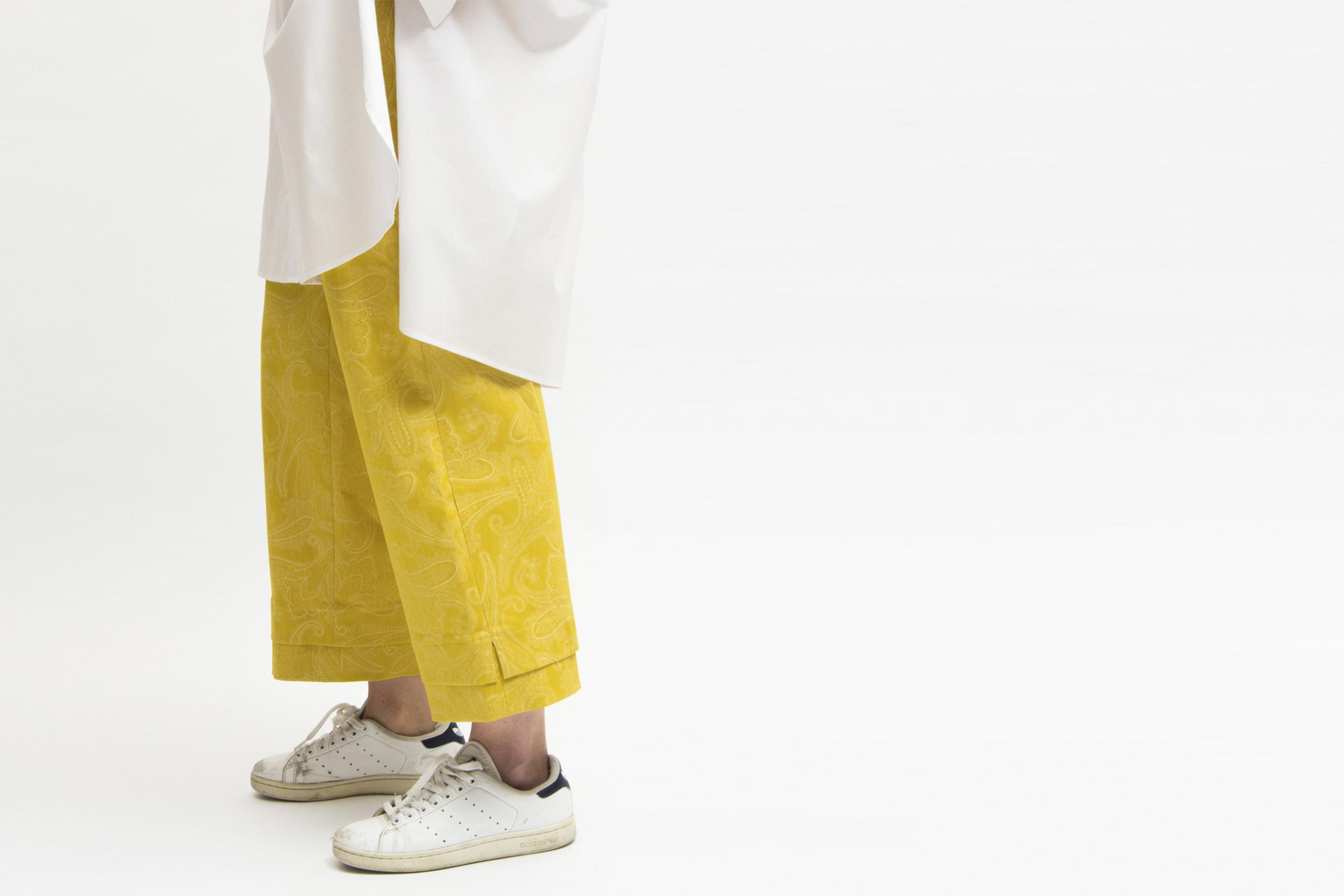 chiara_sonda_fashion_berto_for_young_talents_yellow_panta.jpg