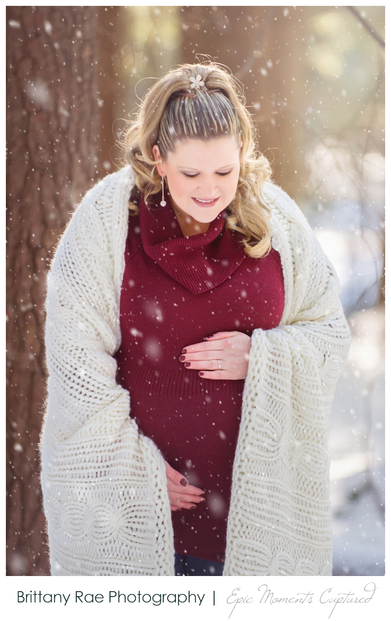 011015_Brooke-maternity-5_WEB-Maine-Wedding-and-Portrait-Photographer.jpg