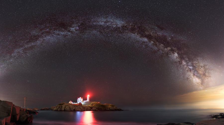 Night Sky Photography - Nubble Lighthouse - York