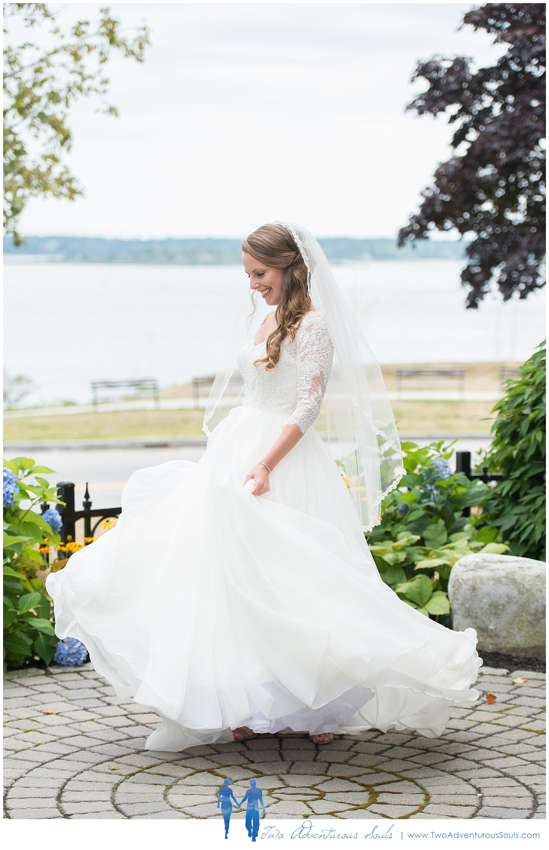 Woodlands Country Club Wedding, Maine Wedding Photographers_Wedding Dress with Sleeves