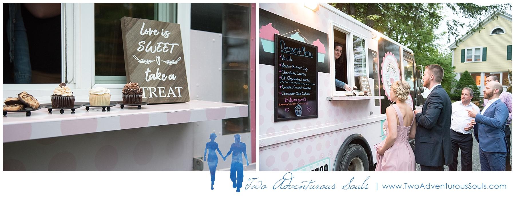 Dexter's Inn Wedding, New Hampshire Wedding Photographers_Food Truck Wedding with cupcake Truck