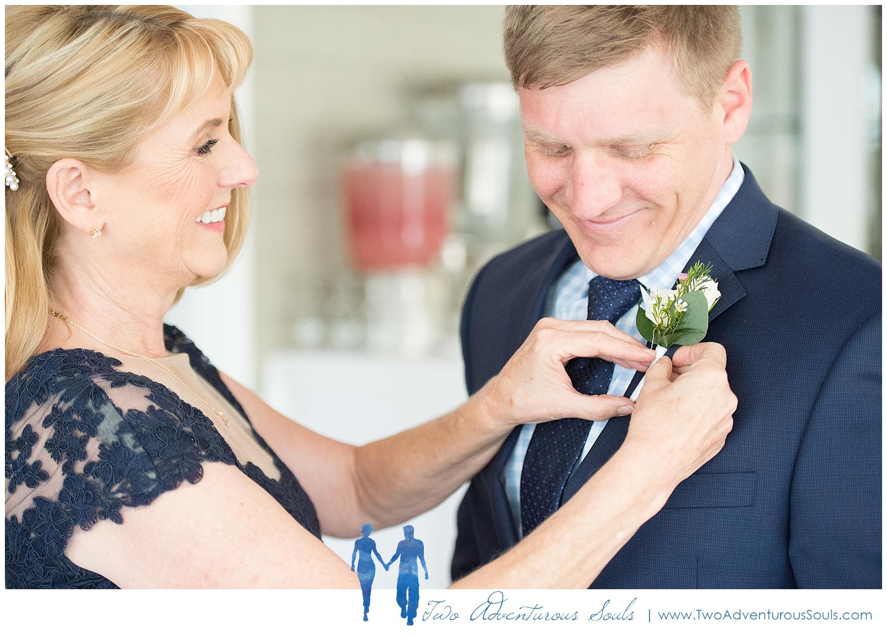 Inn-on-Peaks-Island-Wedding-Maine-Wedding-Photographers_0012.jpg
