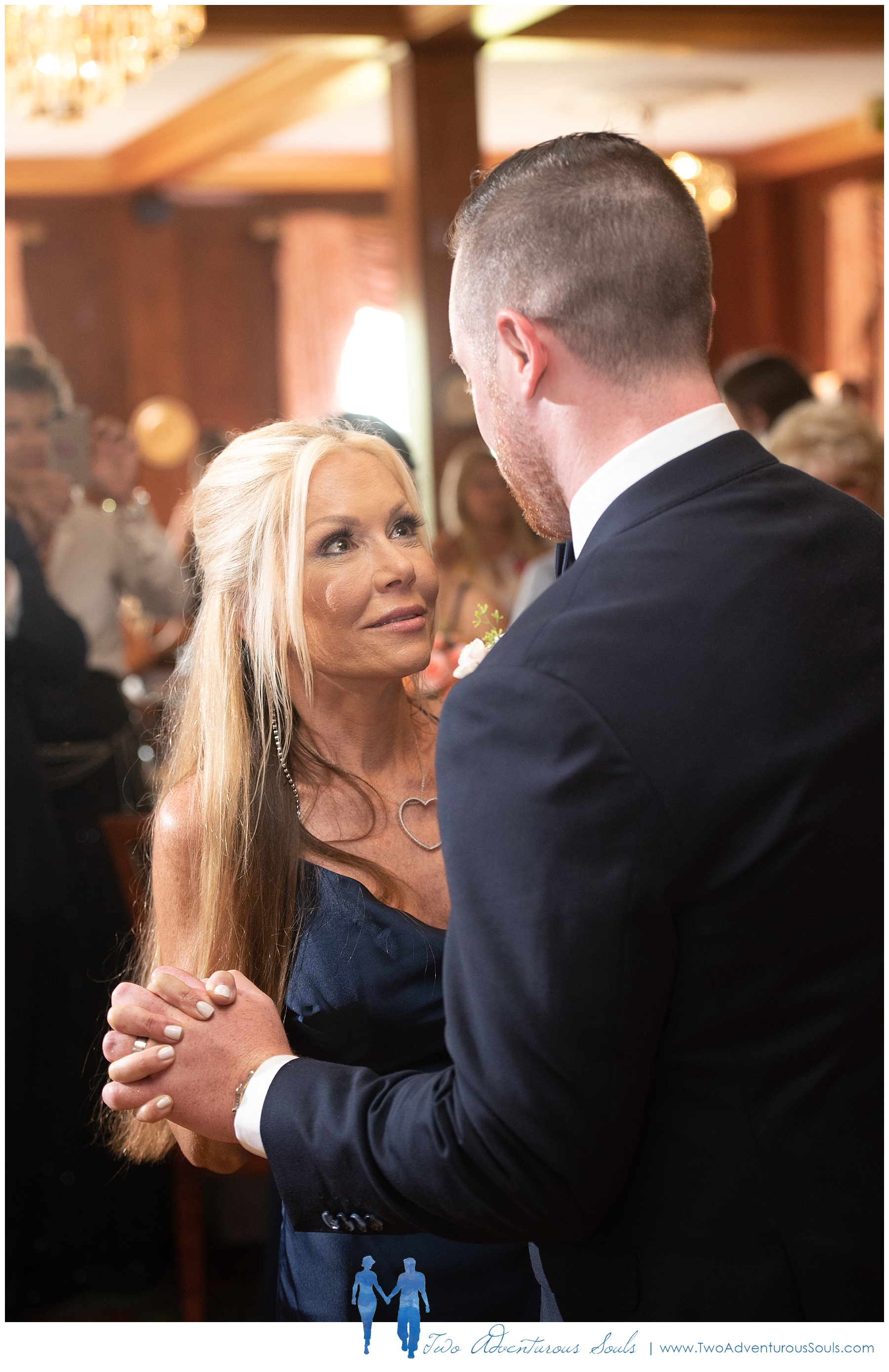 Colony-Hotel-Wedding-Kennebunkport-Wedding-Photographers-maine-Wedding-Photographers_0098.jpg