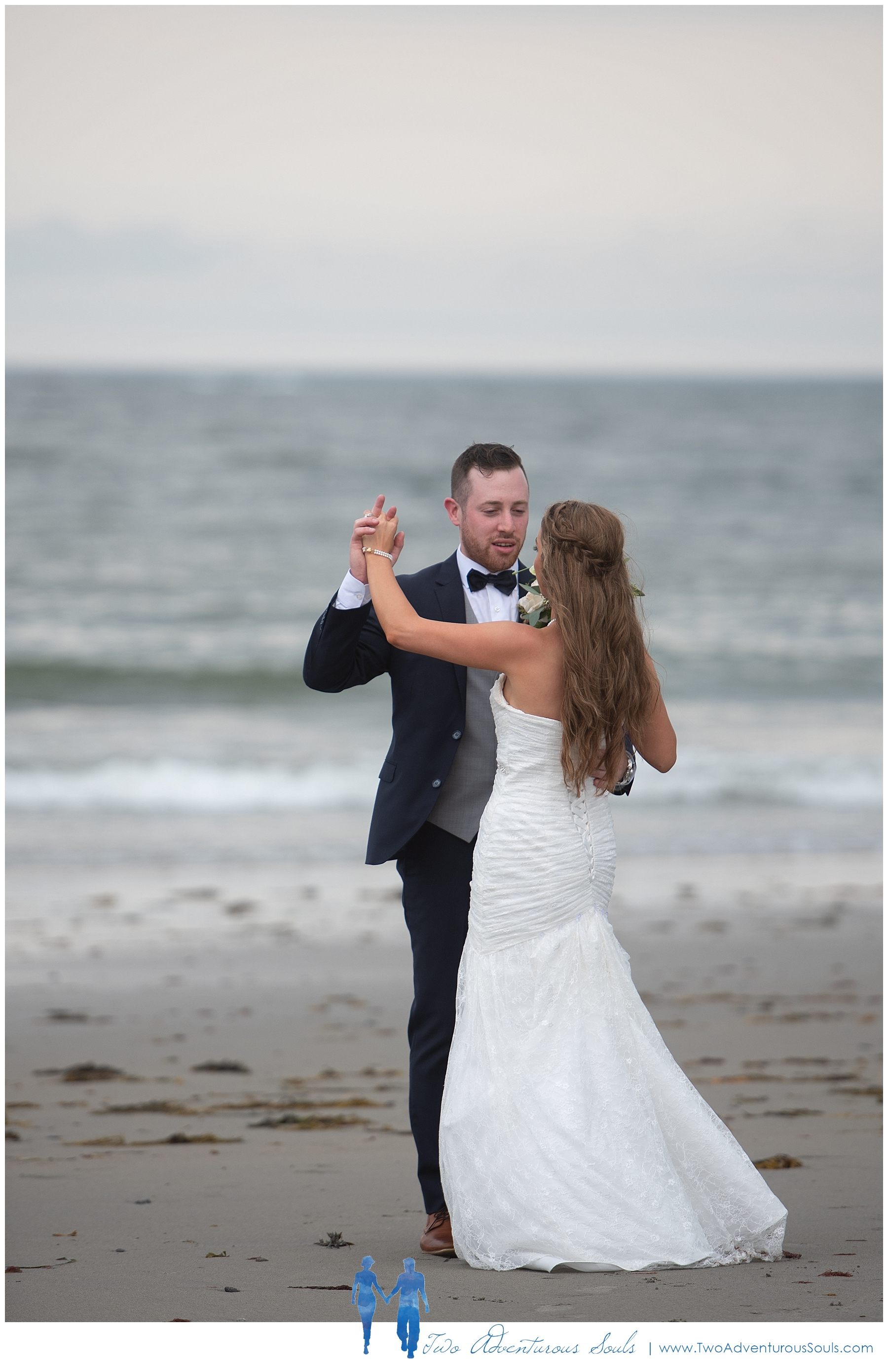 Colony-Hotel-Wedding-Kennebunkport-Wedding-Photographers-maine-Wedding-Photographers_0103.jpg