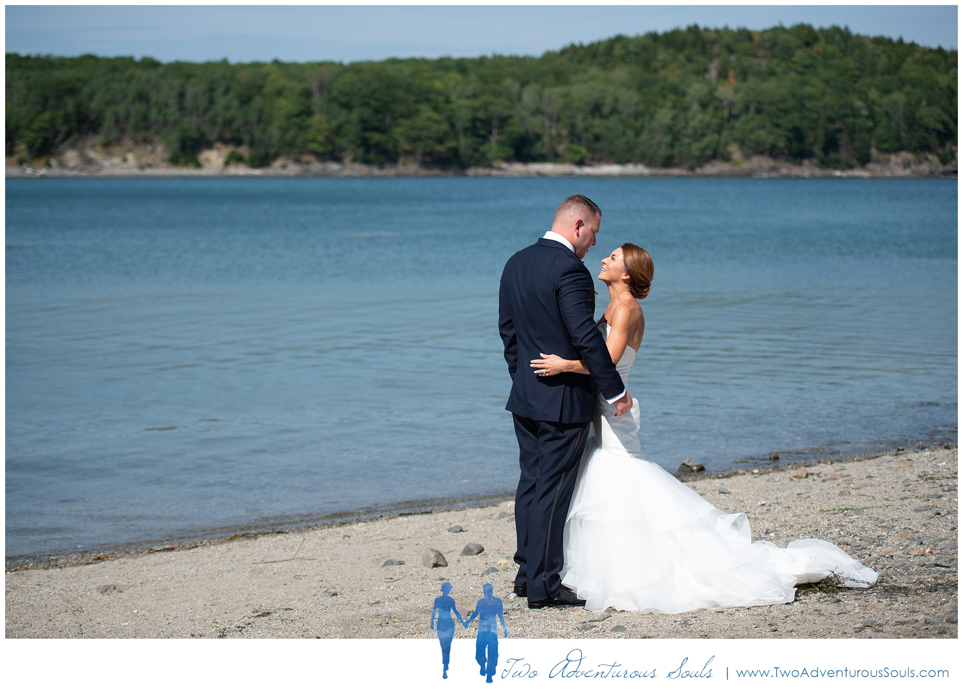 090218+-+Megan+&+Jason+-+sneaks-58_Bar+Harbor+Wedding+Photographers,+Destination+Wedding+Photographers.jpg