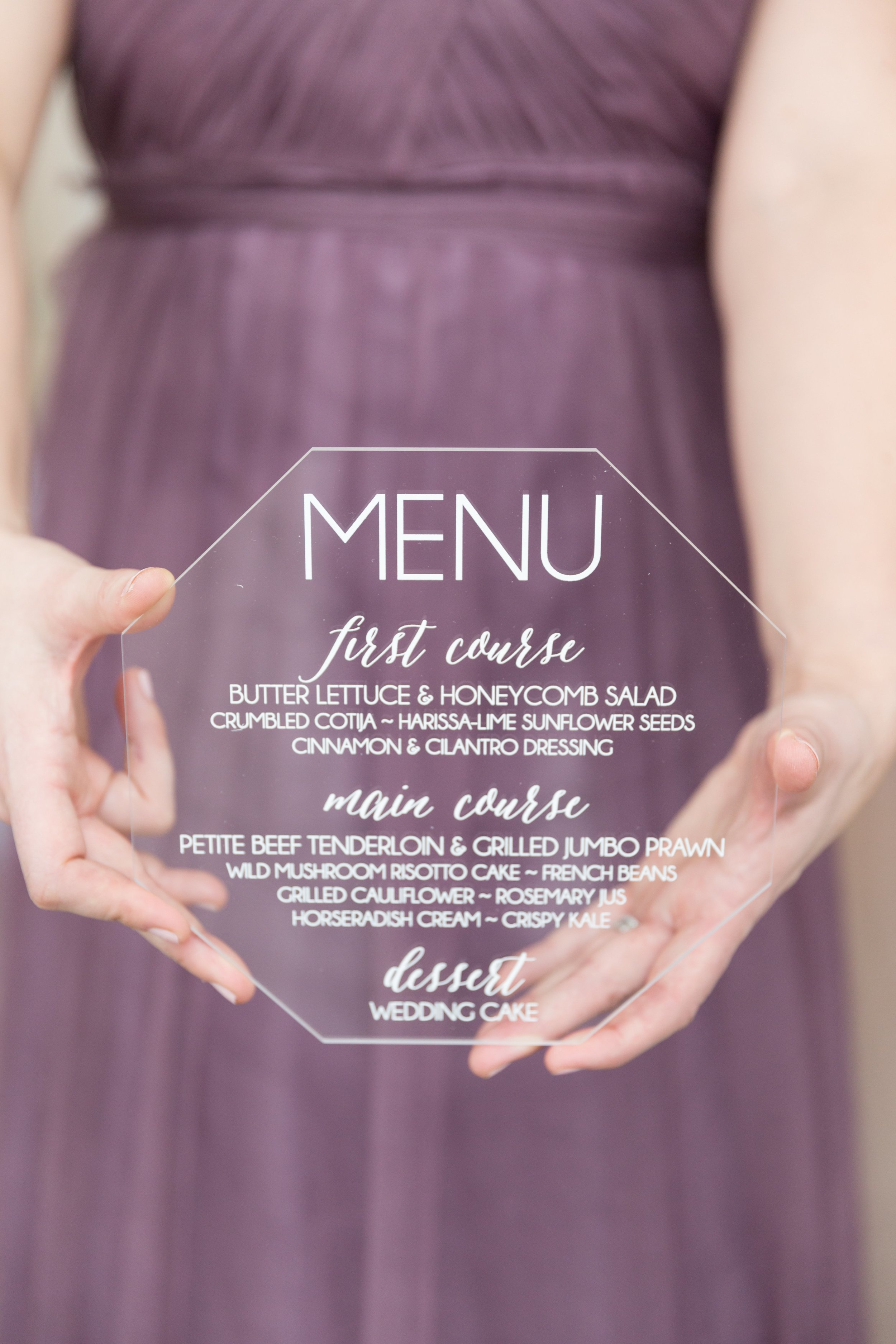 Acrylic Menu by    Paper and Pine Co.    | Photo by    Riverbend Studio    | Styled Shoot by    Big City Bride