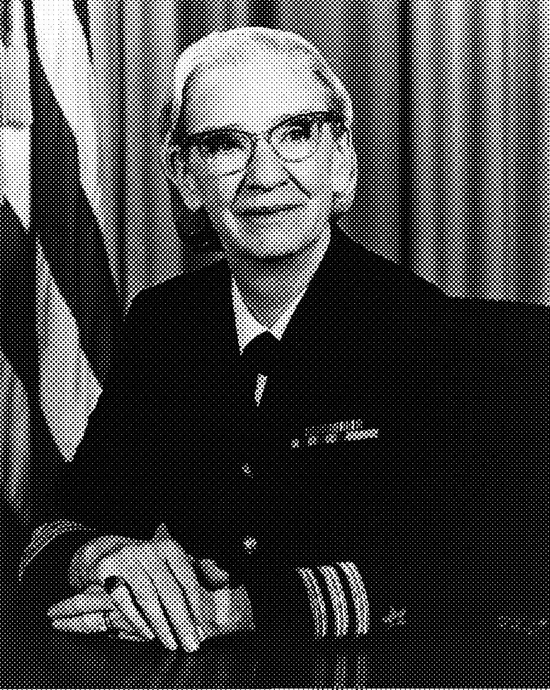 Grace Murray Hopper  ( Nueva York ,  9 de diciembre  de  1906  -  Condado de Arlington ,  1 de enero  de  1992 ) fue una  científica de la computación  y  militar   estadounidense  con grado de  contraalmirante . Fue pionera en el mundo de las  ciencias de la computación  y la primera  programadora  que utilizó el  Mark I . Entre las décadas de los  50  y  60  desarrolló el primer  compilador  para un  lenguaje de programación  así como también propició métodos de validación.