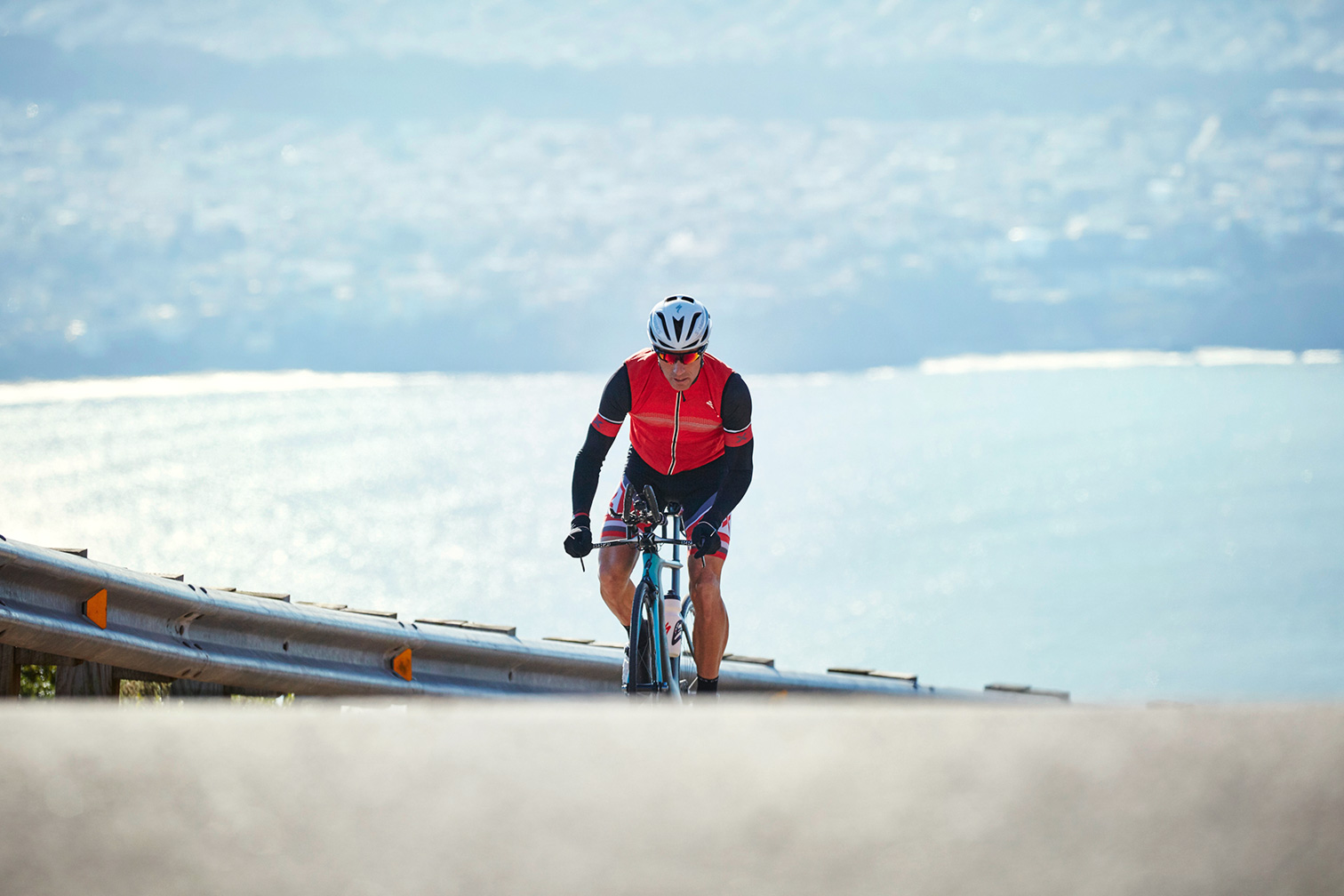 003 21x14-Oakley2015_Cycling_Climbing_HD00128.jpg
