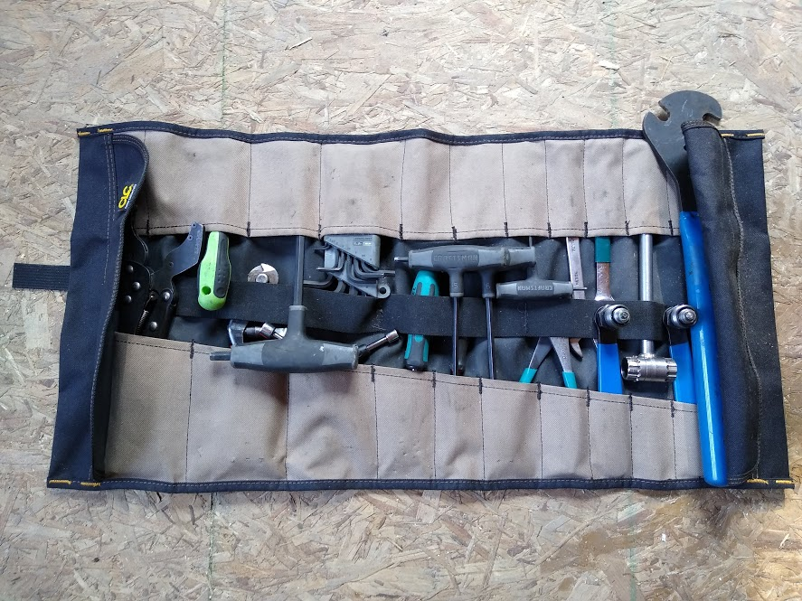 32 pocket tool roll organizer by rugged tool.