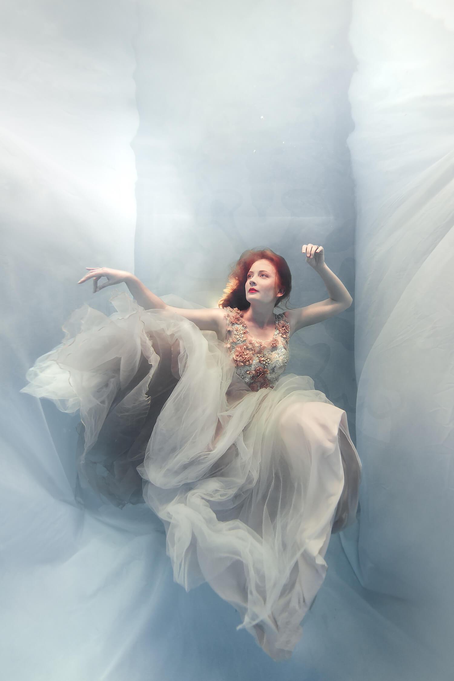 Ilse Moore Crystal portrait light_001.jpg