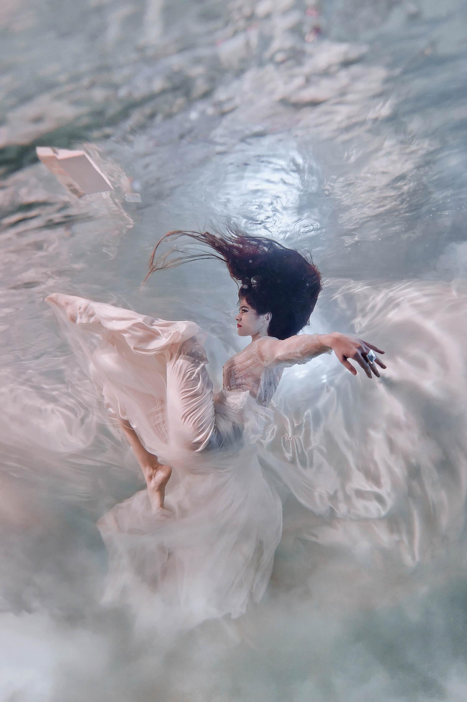 Ilse Moore Crystal portrait light_007.jpg