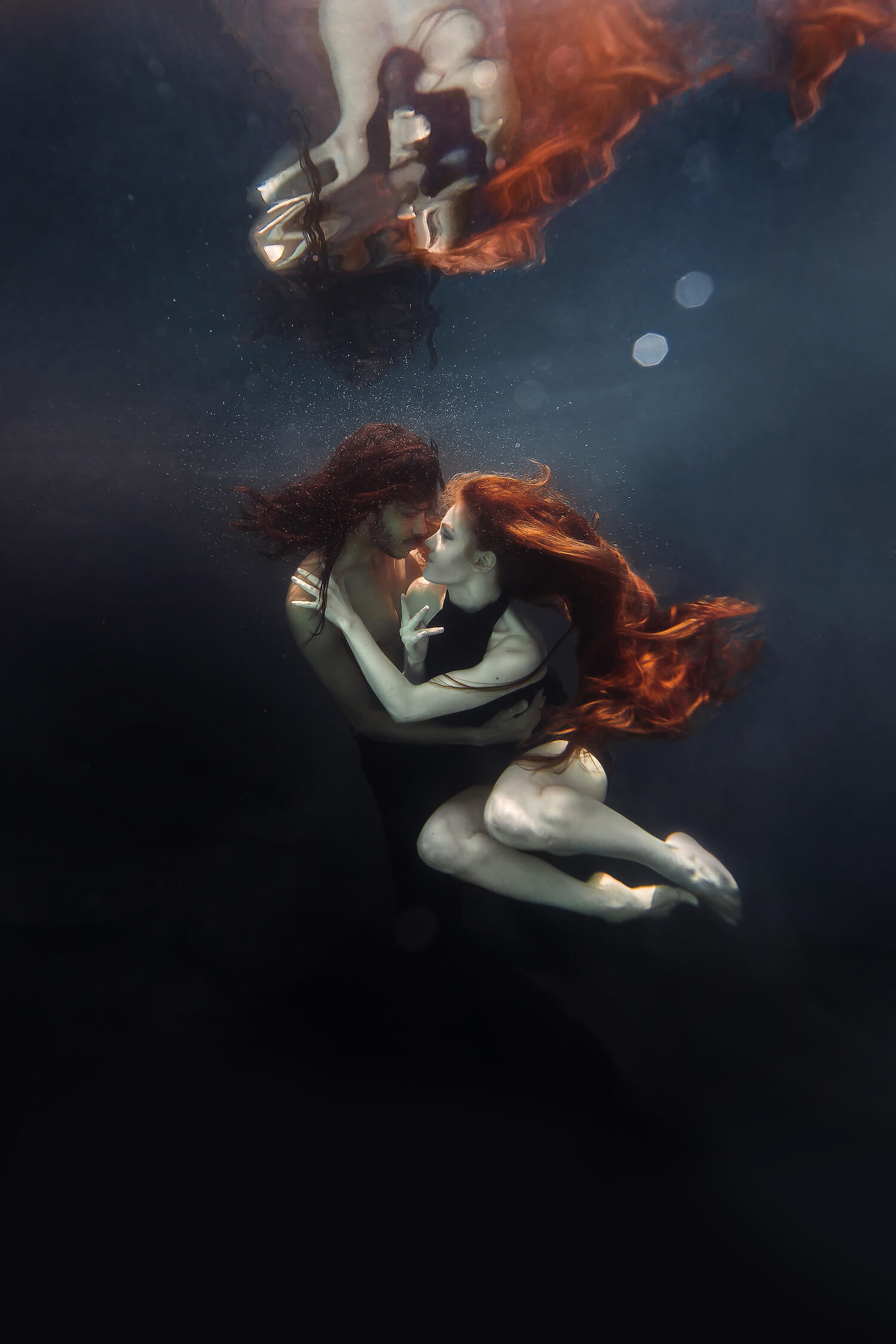 Ilse Moore underwater crystal couple_003.jpg