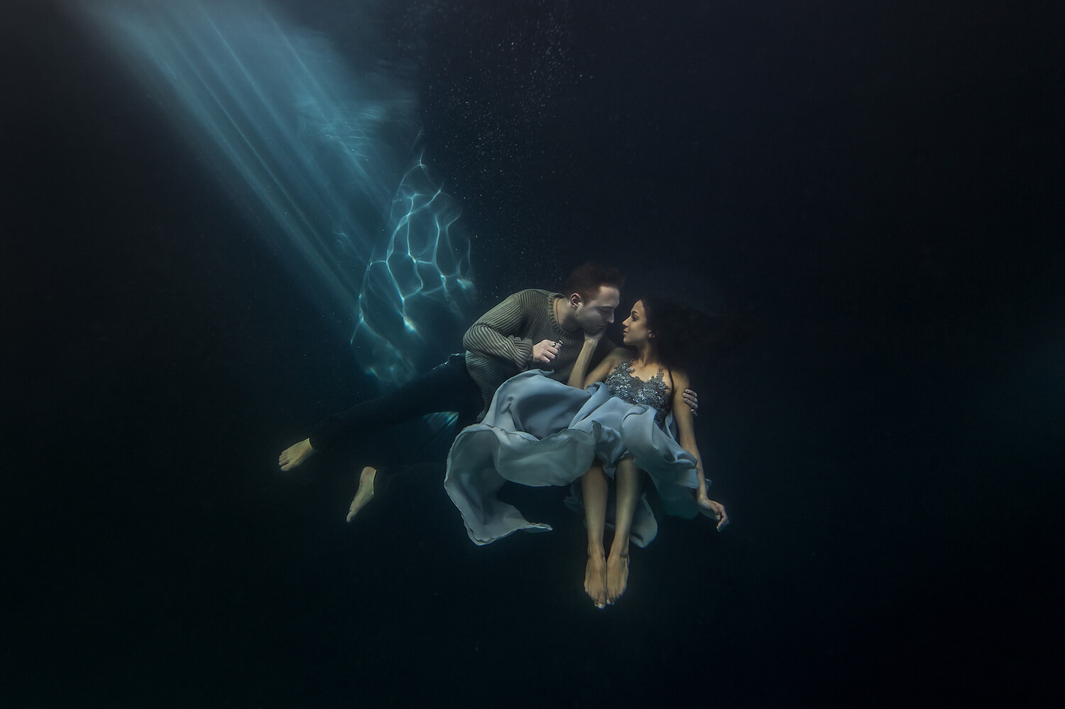 Ilse Moore underwater crystal couple_005.jpg