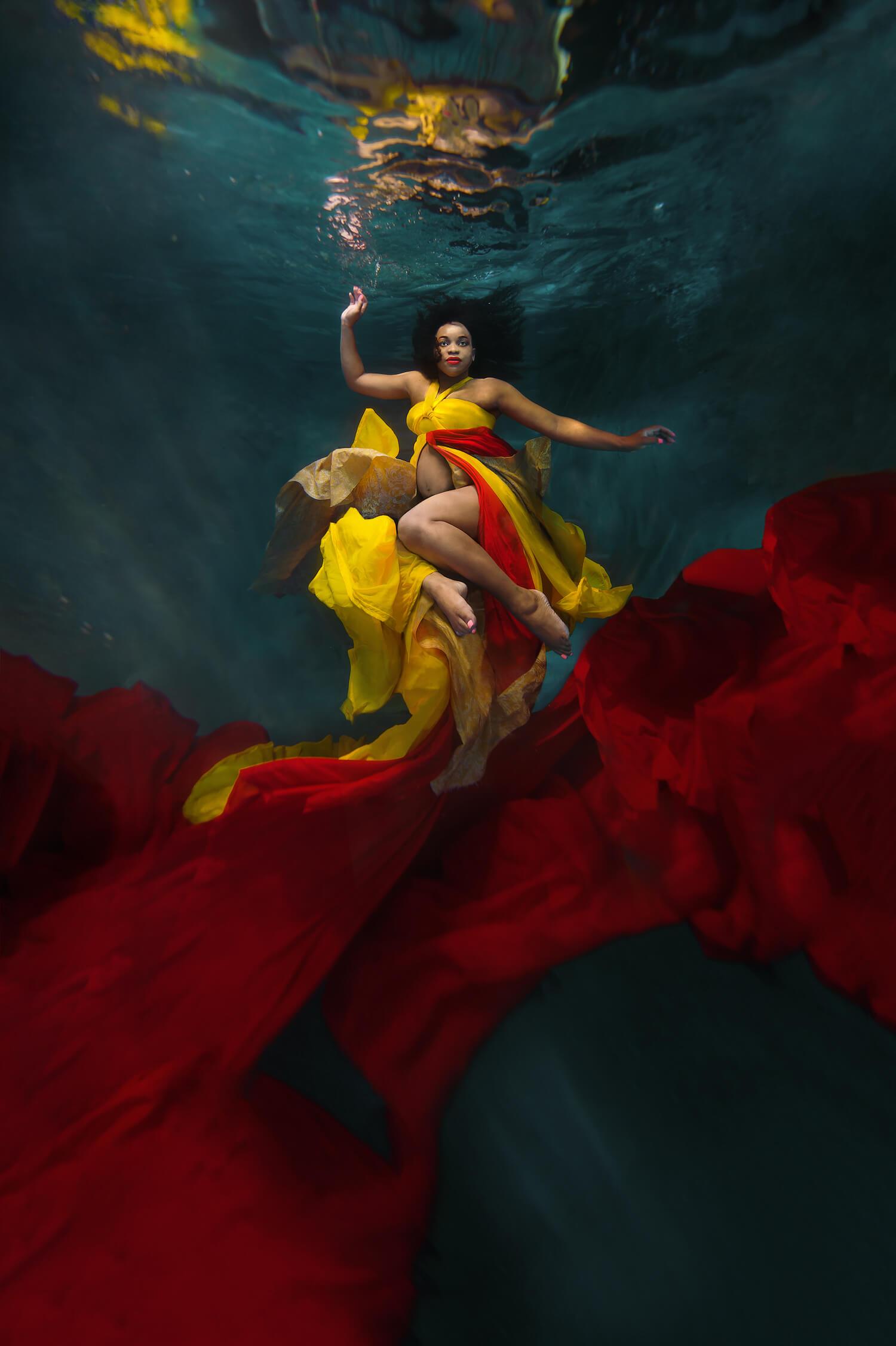 Ilse Moore underwater crystal cinema_003.jpg