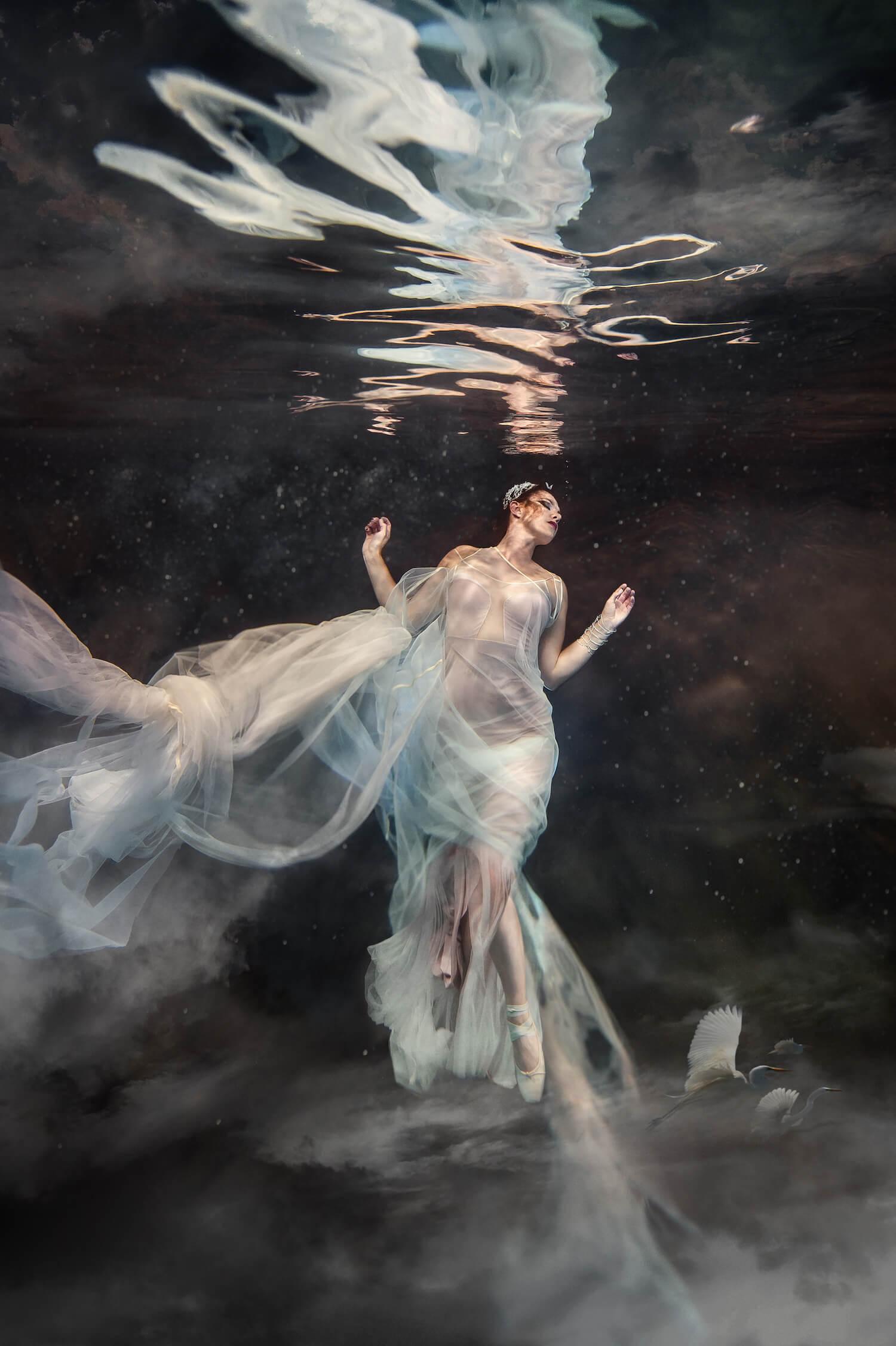 Ilse Moore underwater crystal cinema_004.jpg