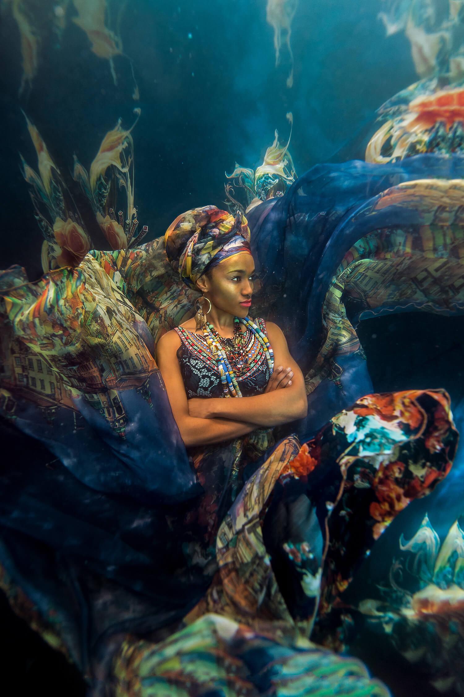 Ilse Moore underwater crystal cinema_005.jpg