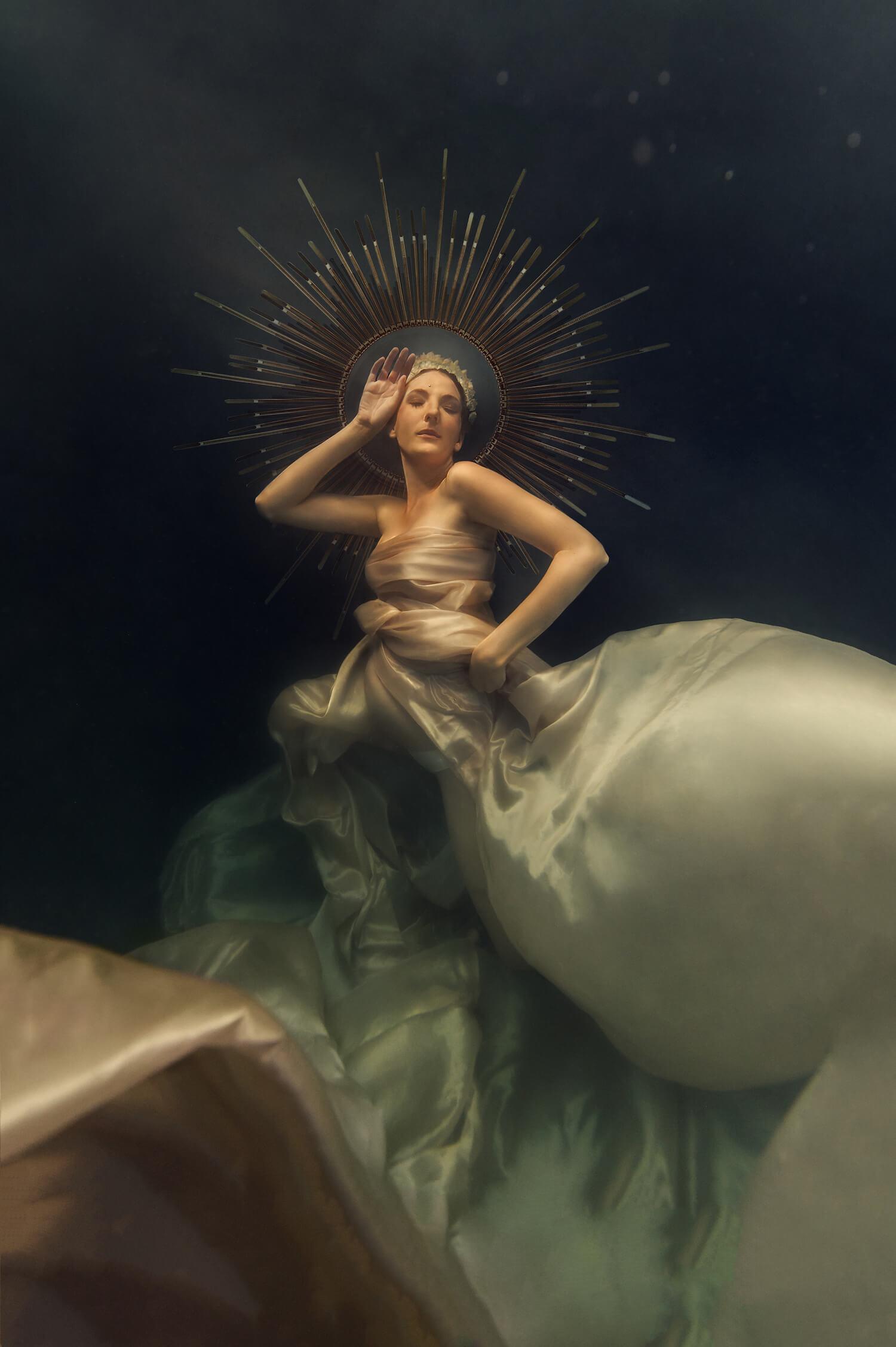 Ilse Moore underwater crystal cinema_008.jpg