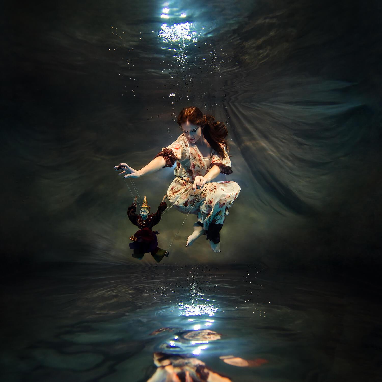 Ilse Moore underwater crystal cinema_009.jpg