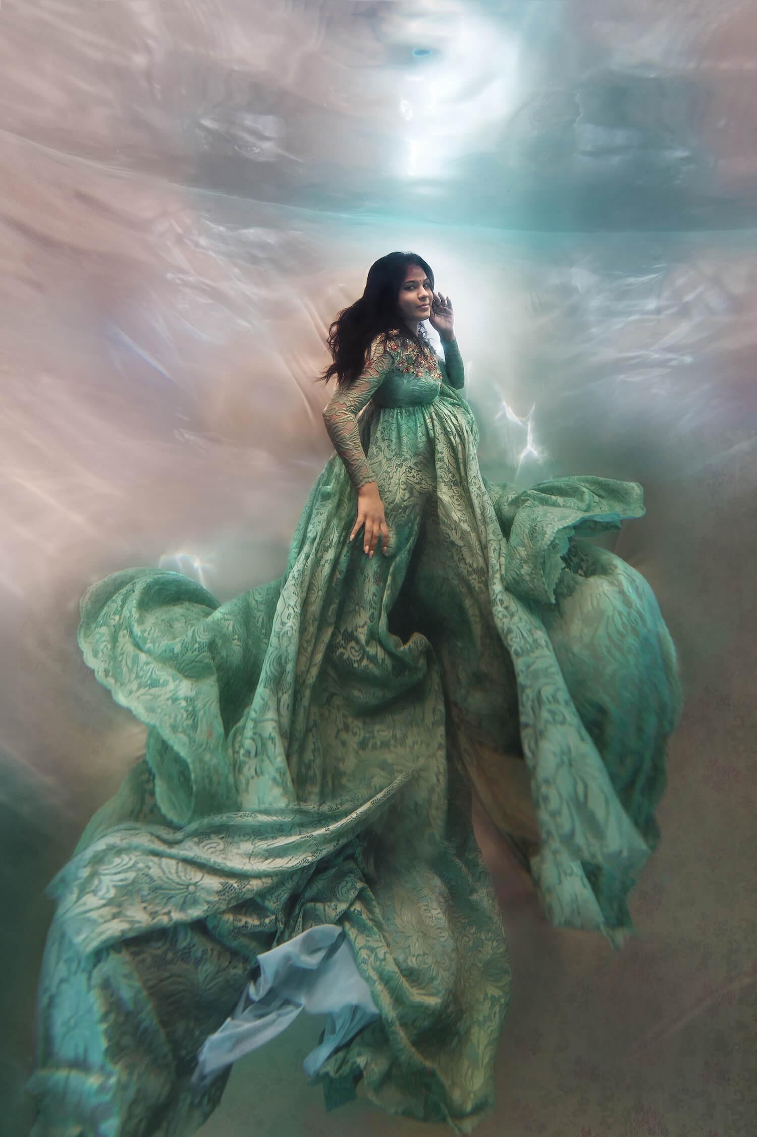 Ilse Moore underwater maternity light_002.jpg