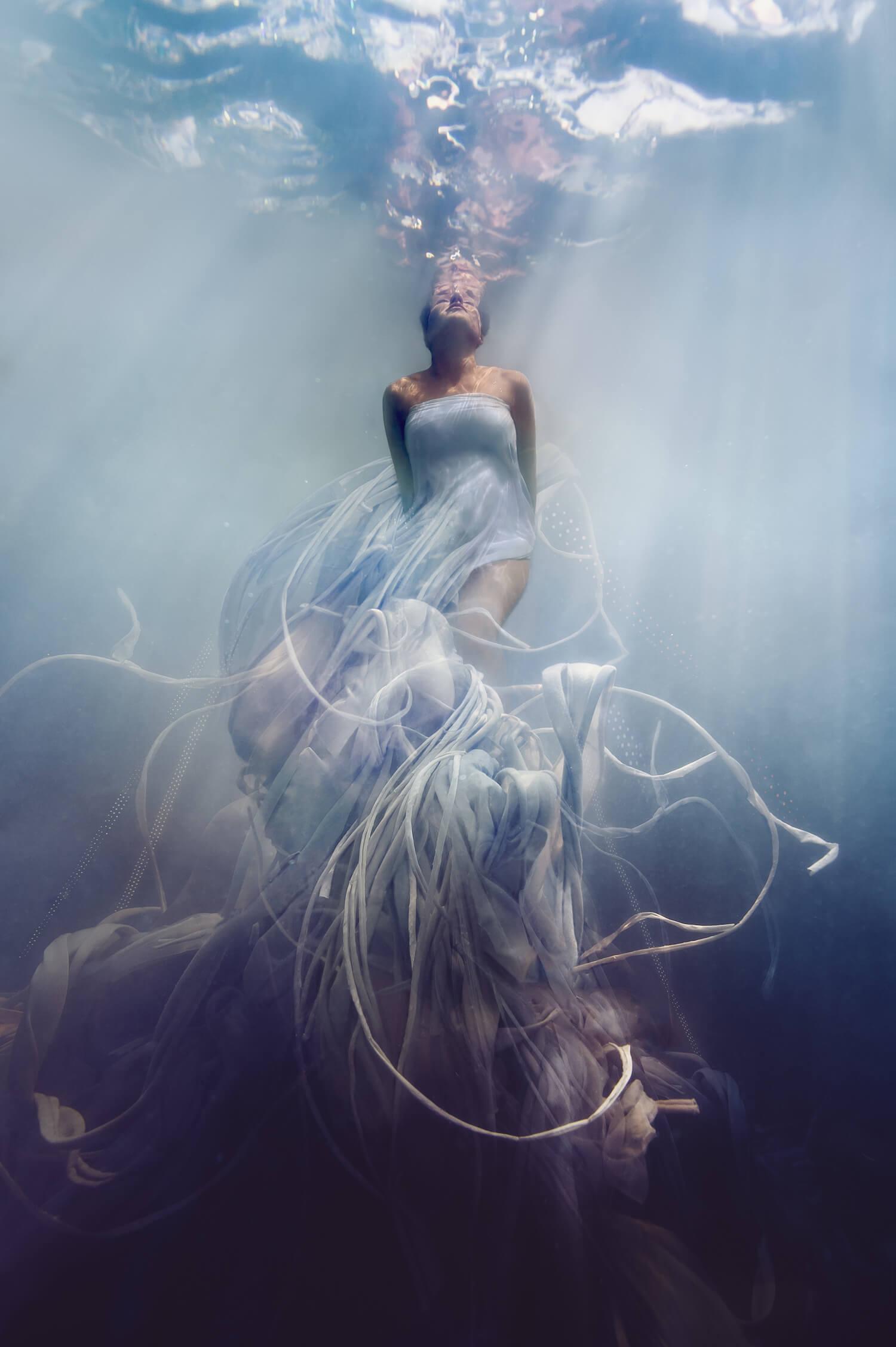 Ilse Moore underwater maternity light_008.jpg