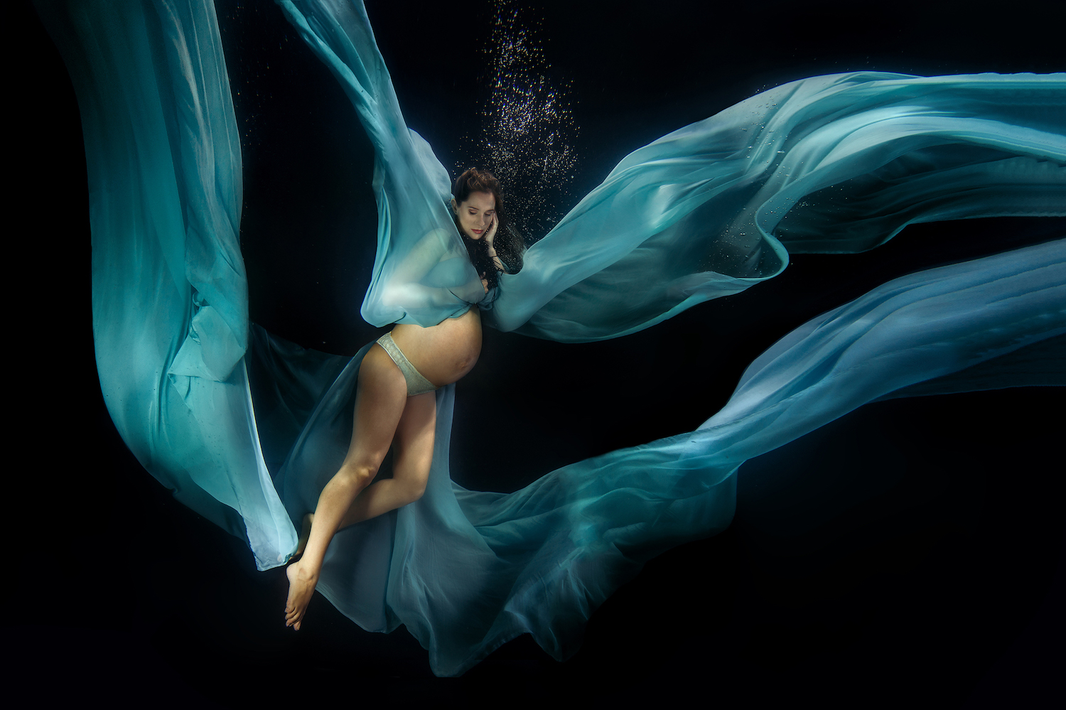 Ilse Moore underwater maternity night_007.jpg
