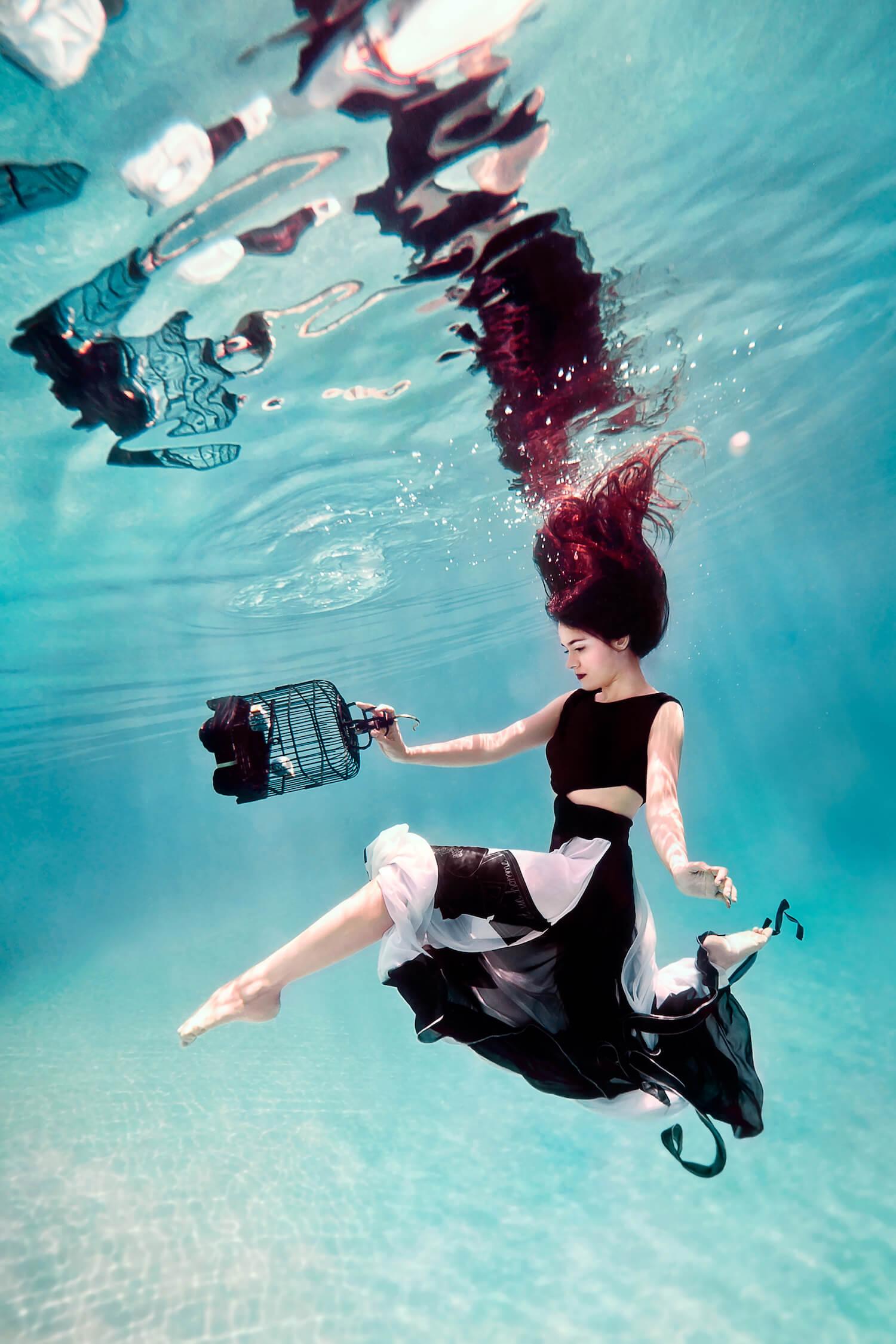Ilse Moore underwater commercial private_004.jpg