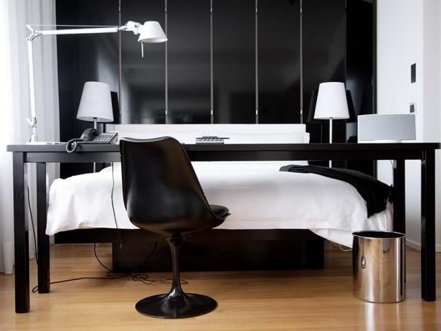 02_101-hotel-reykjavik-standard-room.jpg