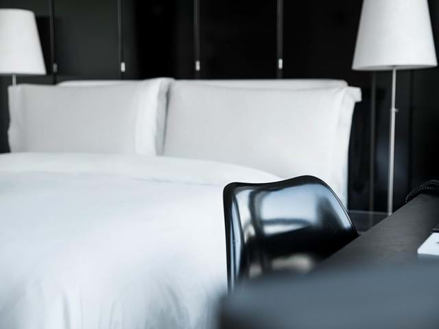101-design-hotel-reykjavik-art-gallery_rooms-atp-03_04.jpg