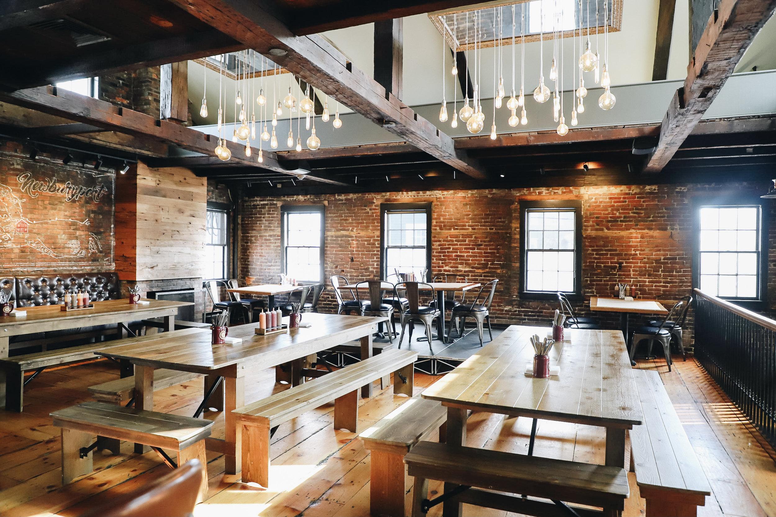 diningw_hanginglights.jpg
