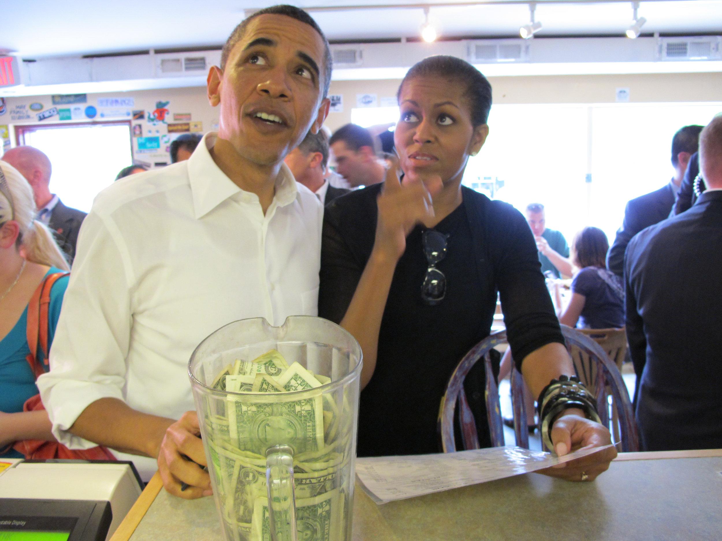 President & Michelle Obama @ 12 Bones 4-23-10 photo by Pattiy Torno.jpg