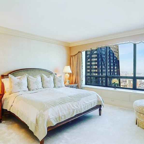 Is it too early to go to bed?  #HappilyEverAlways #Chicago #broker #author #invest #CondosForSale #luxury #GoldCoast #Streeterville #WaterTower #180EPearson5204 #60611 #bedrooms #views #windows #condo #GetListed #LuxuryAmenities #MillionDollarListings #sleep #home #LuxuryLifestyle #MillionDollarProperty