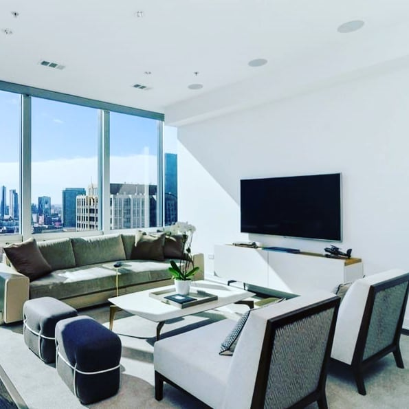Gather round children... #HappilyEverAlways #Chicago #broker #author #invest #CondosForSale #luxury #GetListed #RiverNorth #LuxuryLifestyle #LuxuryAmenities #lifestyle #interiors #views #LivingRooms #TheMontgomery  #MillionDollarBroker # #500WSuperior1807 #60654