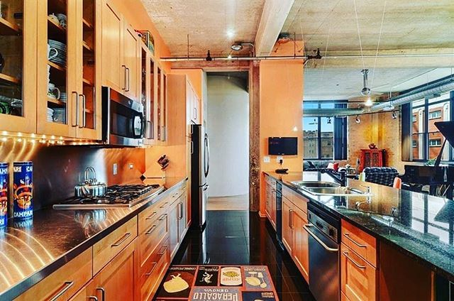 We'll cook, you bring the food.  #HappilyEverAlways #Chicago #broker #author #invest #CondosForSale #luxury #WestLoop #interiors #kitchen #lifestyle #urban #GetListed #DreamHome #LoftLife #loft #condo #MillionDollarBroker #850WAdams6c #60607 #instahome #ChicagoChic #contemporary #dwell #neighborhoods #home