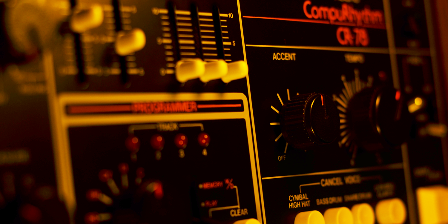 Roland CR-78     Sync Master    > Audio Out Jitter - 2 samples (0.04ms)    Sync Slave - 12PPQ Voltage Clock    > Audio Out Jitter - 2 samples (0.04ms) > Start Latency - 5 samples (0.10ms)