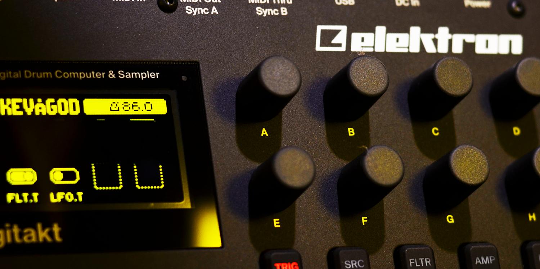 Elektron Digitakt/OS 1.10     Sync Master    > Audio Out Jitter - 32 samples (0.67ms) > MIDI TX Jitter - TBC    Sync Slave - MIDI Clock    > Audio Out Jitter - 32 samples (0.67ms) > MIDI TX Jitter - TBC > Start Latency - 94 samples (1.96ms)