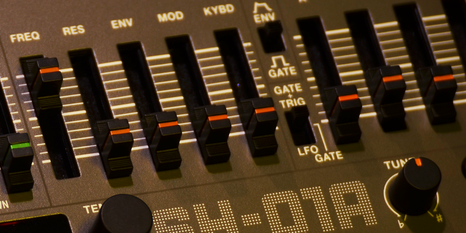 Roland SH-01A/OS 1.06     Sync Slave - MIDI Clock    > Audio Out Jitter - 65 samples (1.35ms) > Start Latency - 215 samples (4.48ms)    Sync Slave - 4PPQ Voltage Clock    > Audio Out Jitter - 53 samples (1.10ms) > Start Latency - 159 samples (3.32ms)    Source Event - MIDI Note    > MIDI Note RX to Audio Out Jitter - TBC > Note On Latency - TBC
