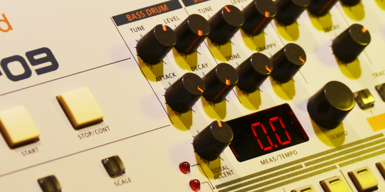 Roland TR-09/OS 1.04     Sync Slave - MIDI Clock    > Audio Out Jitter - 14 samples (0.31ms) > Start Delay - 140 samples (2.92ms)    Source Event - MIDI Note    > MIDI Note RX to Audio Out Jitter - TBC > Note On Latency - TBC