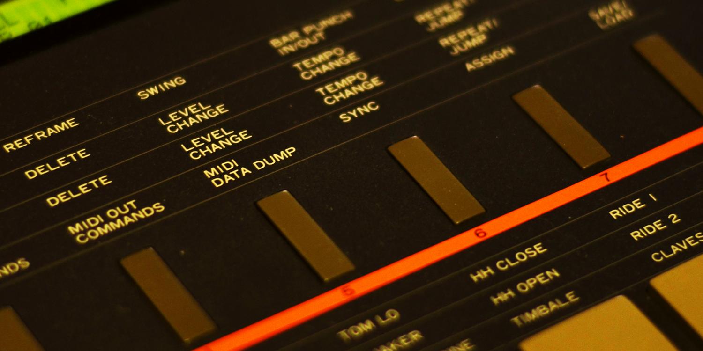 Kawai R-100     Sync Master    > Audio Out Jitter - 52 samples (1.08ms)    Sync Slave - Din Sync    > Audio Out Jitter - Zero samples (0.00ms) > Start Latency - TBC    Sync Slave - MIDI Clock    > Audio Out Jitter - 4 samples (0.08ms) > Start Latency - TBC    Sync Slave - 24PPQ Voltage Clock    > Audio Out Jitter - Zero samples (0.00ms) > Start Latency - TBC