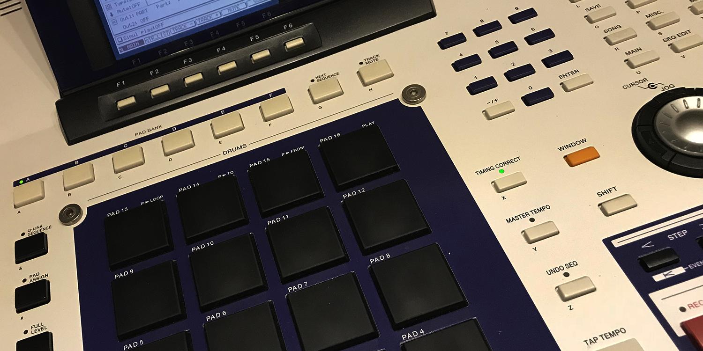 Akai MPC-4000     Sync Master    > Audio Out Jitter - 1 sample (0.02ms) > MIDI TX Jitter - 3 samples (0.06ms)    Sync Slave - MIDI Clock    > Audio Out Jitter - 29 samples (0.60ms) > MIDI TX Jitter - 29 samples (0.60ms) > Start Latency - TBC