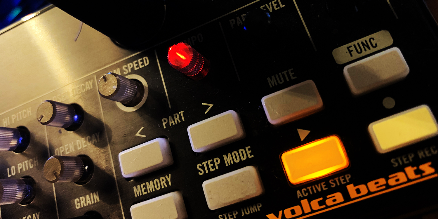 Korg Volca Beats     Sync Master    > Audio Out Jitter - 24 samples (0.50ms)    Sync Slave - MIDI Clock    > Audio Out Jitter - 6 samples (0.12ms) > Start Latency - 50 samples (1.04ms)
