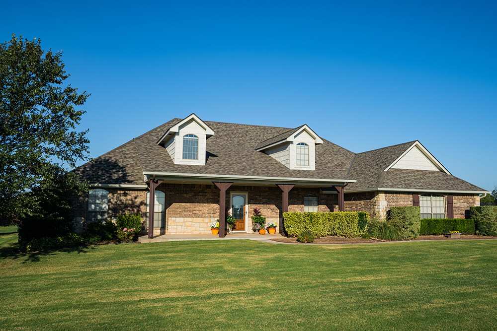 Elliott Roofing customer home