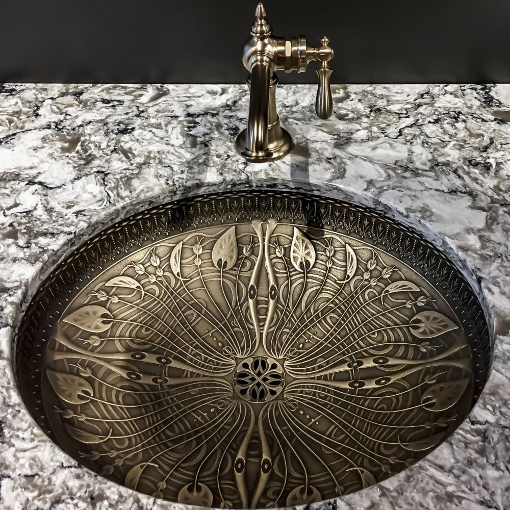 Faucets - Faucets come in all shapes and sizes and can be used to enhance the look of any space. Whether we're talking about a plain garage or commercial unit faucet, or a high-end luxury bathroom faucet, they all have the same purpose and potential issues.