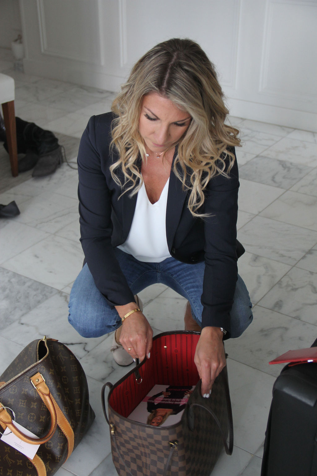 Stuck on how to organize your shoes and handbags? I'm giving some quick and easy tips to help you get started. -