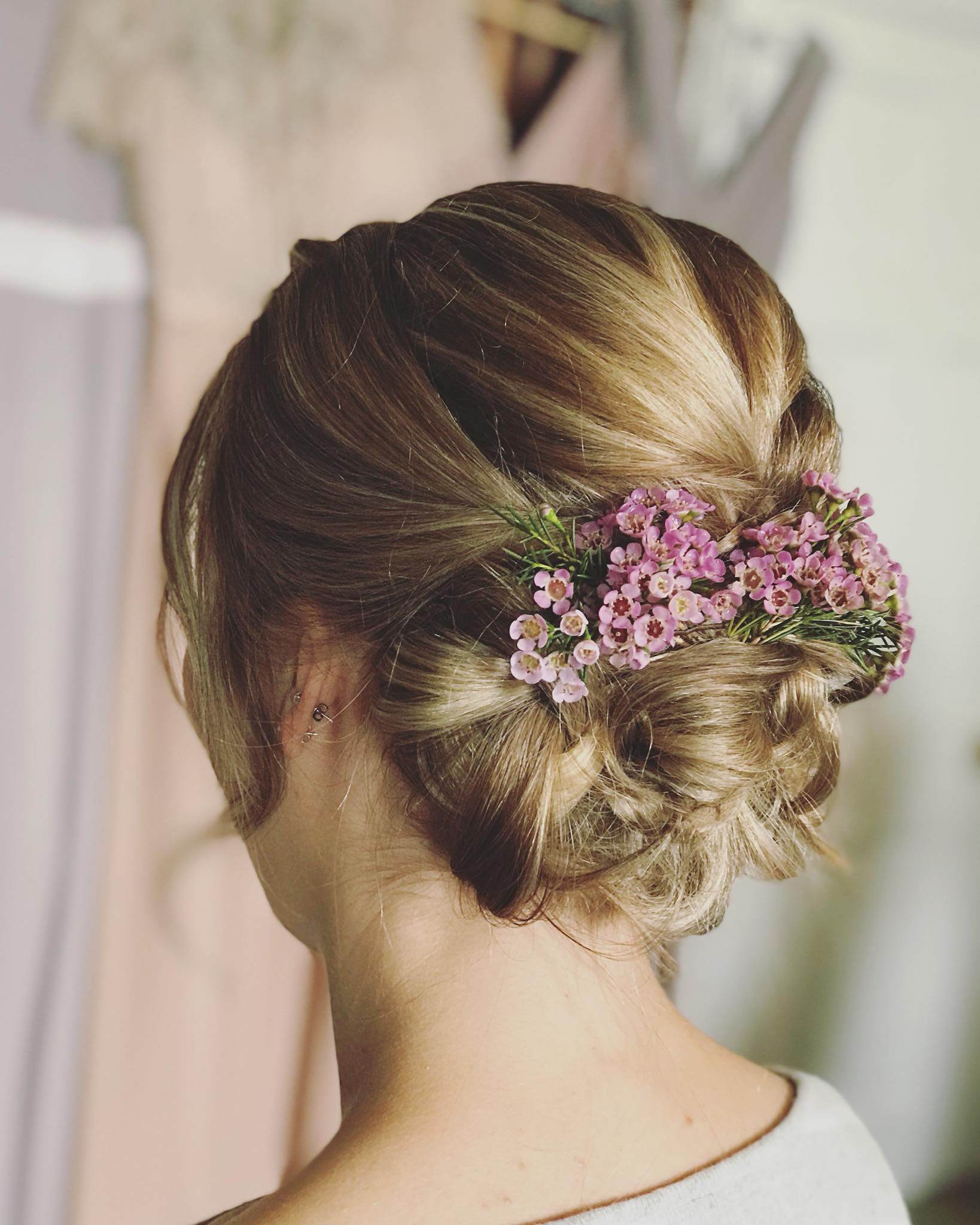 Hannah Woodgates Hair Design floral updo | Image courtesy of Hannah Woodgates