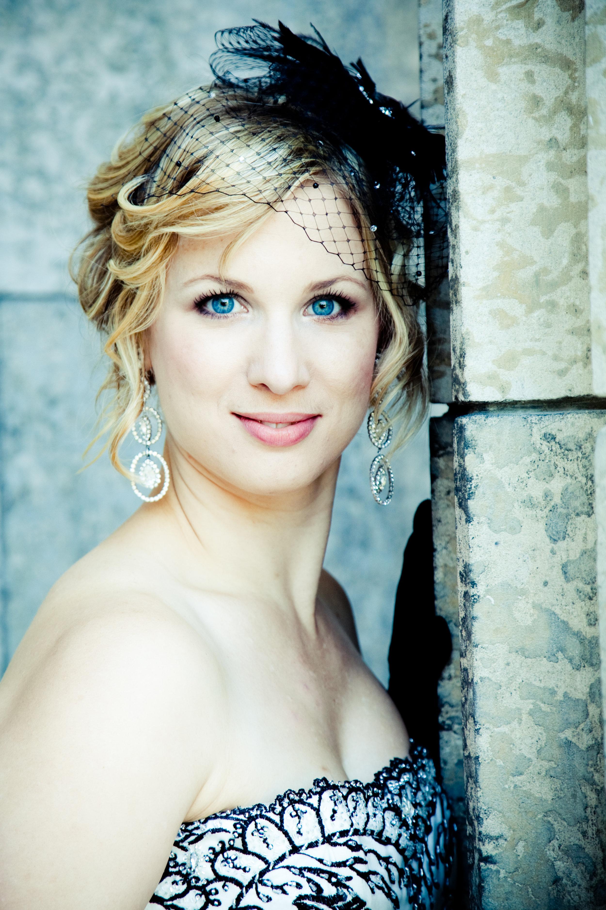 Lara Ciekiewicz Headshot - Winnipeg.jpg