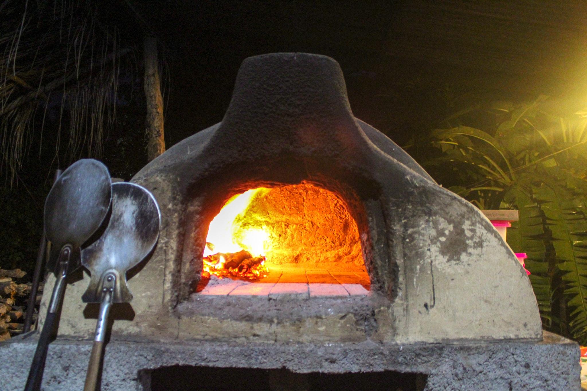wood-fired, brick oven Mediterranea, Isla Ometepe, Selvista
