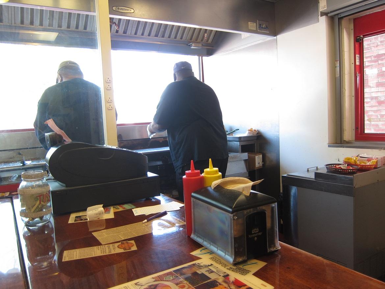 Fry-cooks-at-Cozy-Inn.jpg
